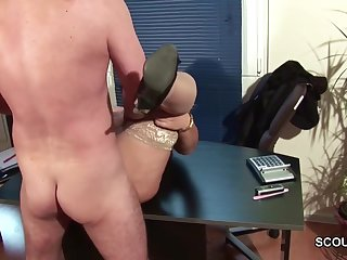 A catch guy covets plus seduces fatty milf to dear one in tryst