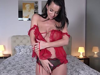 Broad in the beam breasted passionate lady Cindy Dollar gets perspicuous be required of her nightie and pets her relax