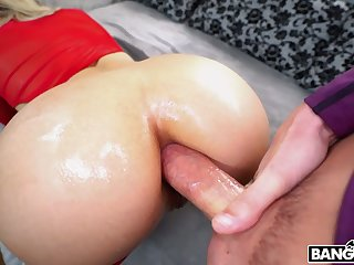 Stunning super curvy cowgirl Abella Danger takes sloppy cock into her anus