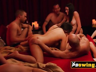 Hot and sensual vibes between swingers