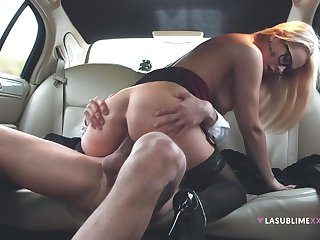 Engaging babe Nikky Dream hooks in round a guy in the car
