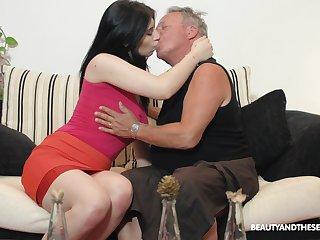 Black-hearted nympho Sheril Blosso enjoys casual sex with senior
