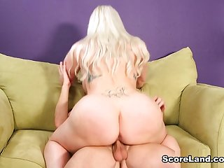 The Hot Hooters Be expeditious for A Horny Haircutter - Holly Wood and Tony Rubino - Scoreland