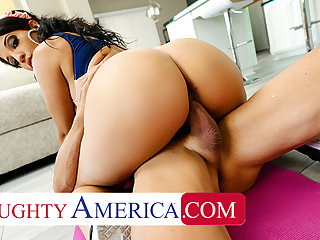 Naughty America - Misty Quinn's phat ass bounces in the first place bushwa