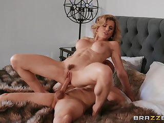 Hot cougar rides fast and craves of sperm above tits
